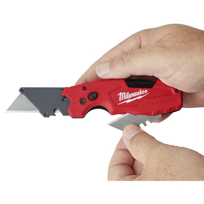 Skladací úžitkový nôž Milwaukee FASTBACKTM 6v1 od spoločnosti GME Supply